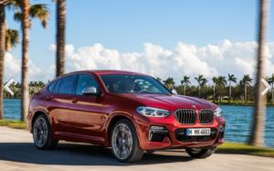 新型BMW・X4の後部座席
