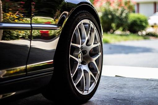タイヤの寿命年数&走行距離