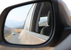 車の運転・眠いとき窓を開ける