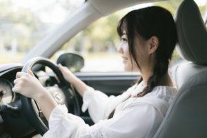 車のクッション運転姿勢