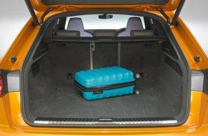 アウディ・新型Q8の荷室