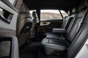 アウディ・新型Q8の後部座席