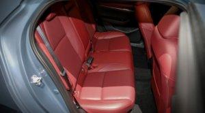 新型マツダ3(アクセラ)後部座席