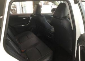 新型RAV4試乗&後部座席