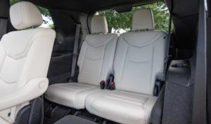 キャデラックXT6・後部座席(2列&3列目)
